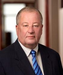 Douglas E. Quinn